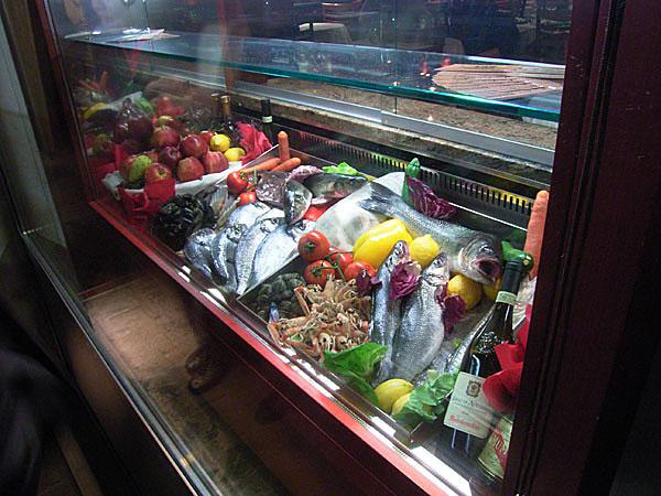 051113_venezia_store02.jpg