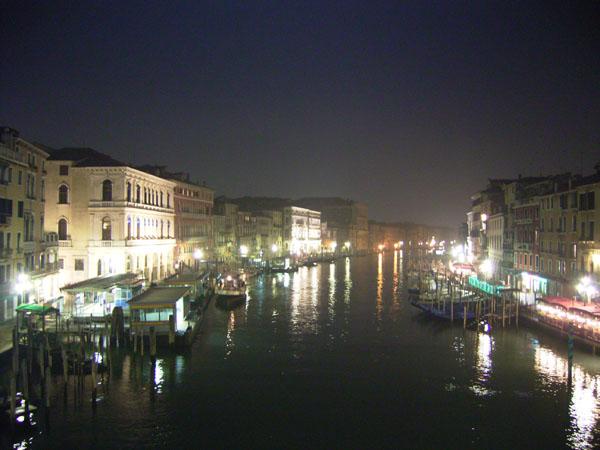 051113_venezia_street04.jpg