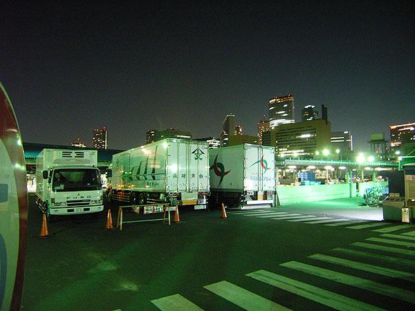 060504_tsukijimarket.jpg