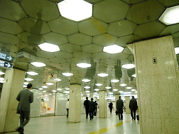 080401_metronihonbashi.jpg