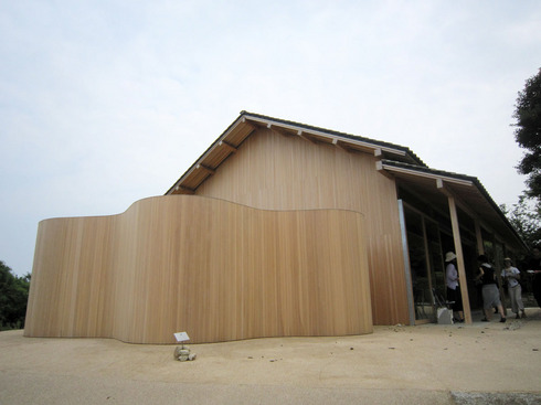 100731-inujimahouse02.jpg