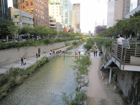 100924-cheonggyecheon01.jpg