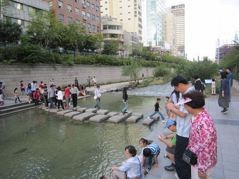 100924-cheonggyecheon02.jpg